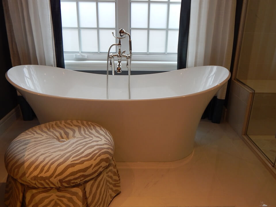 bathtub-902362_960_720