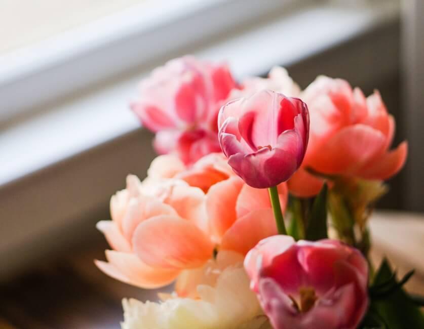 light-romantic-flowers-date-7550-large