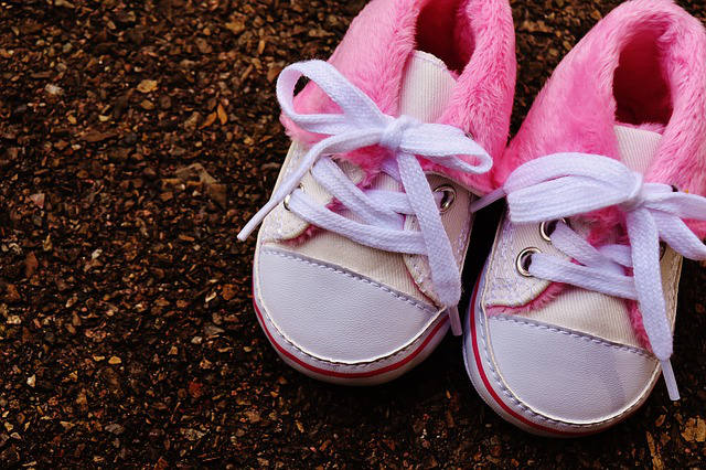 baby-shoes-1796582_640